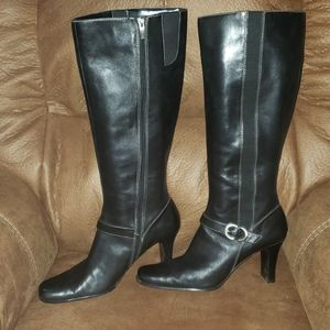 ANNE KLEIN ZIP UP LEATHER HEELED BOOTS SIZE 10m